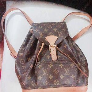 Louis Vuitton bag 100% authentic